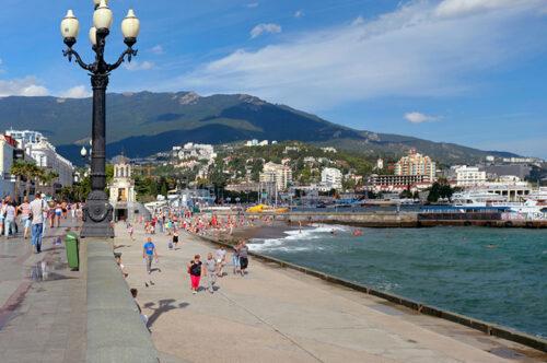 Власти Крыма продлили ограничения для хостелов и развлекательных заведений