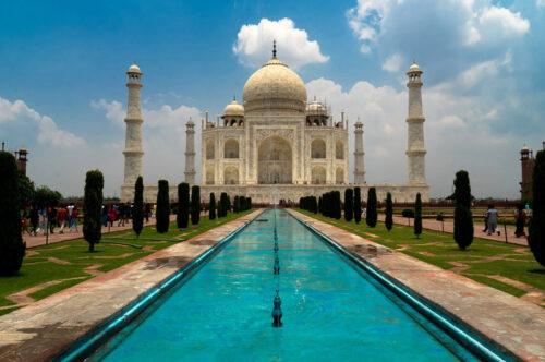 Индия собирается принимать иностранных туристов с 15 октября